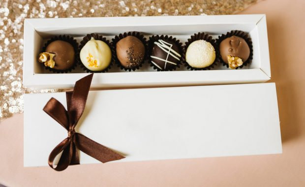 DESIGN EMPTY GIFT BOXES FOR CHOCOLATES